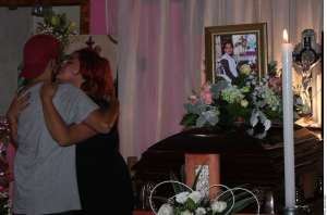 Familiares de las víctimas del accidente del Metro de la Ciudad de México reciben apoyos; suman 26 los muertos
