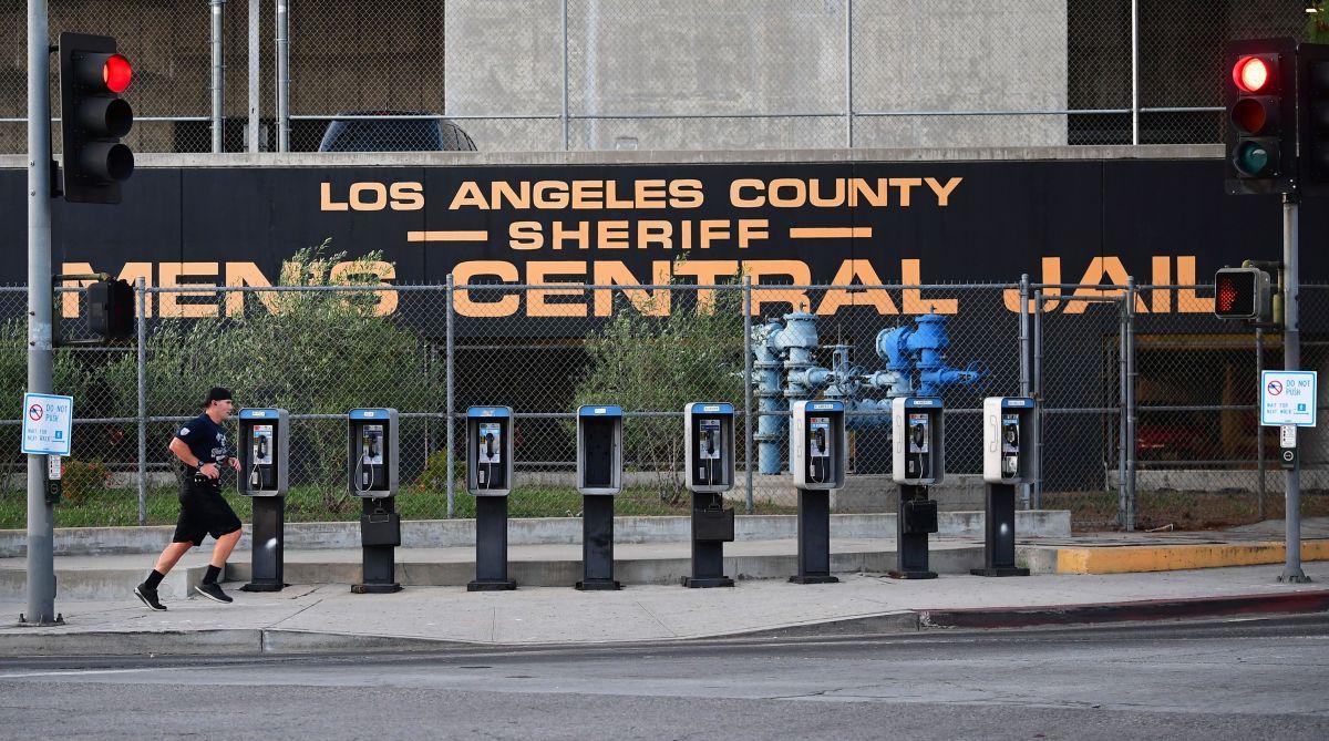 California da a 76,000 presos la posibilidad de salir antes de prisión