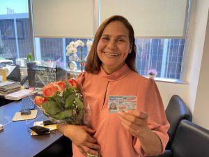 'La residencia es mi mejor regalo del Día de la Madre': inmigrante mexicana