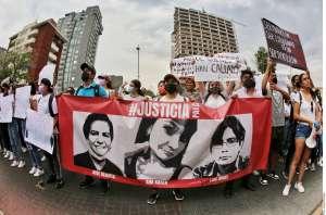 Hermanos asesinados por el CJNG son despedidos con música y marcha donde miles exigen justicia