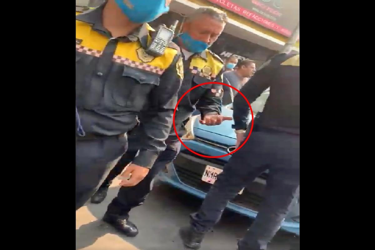 VIDEO: Mujer muerde dedo a policía y le arranca un trozo para evitar multa