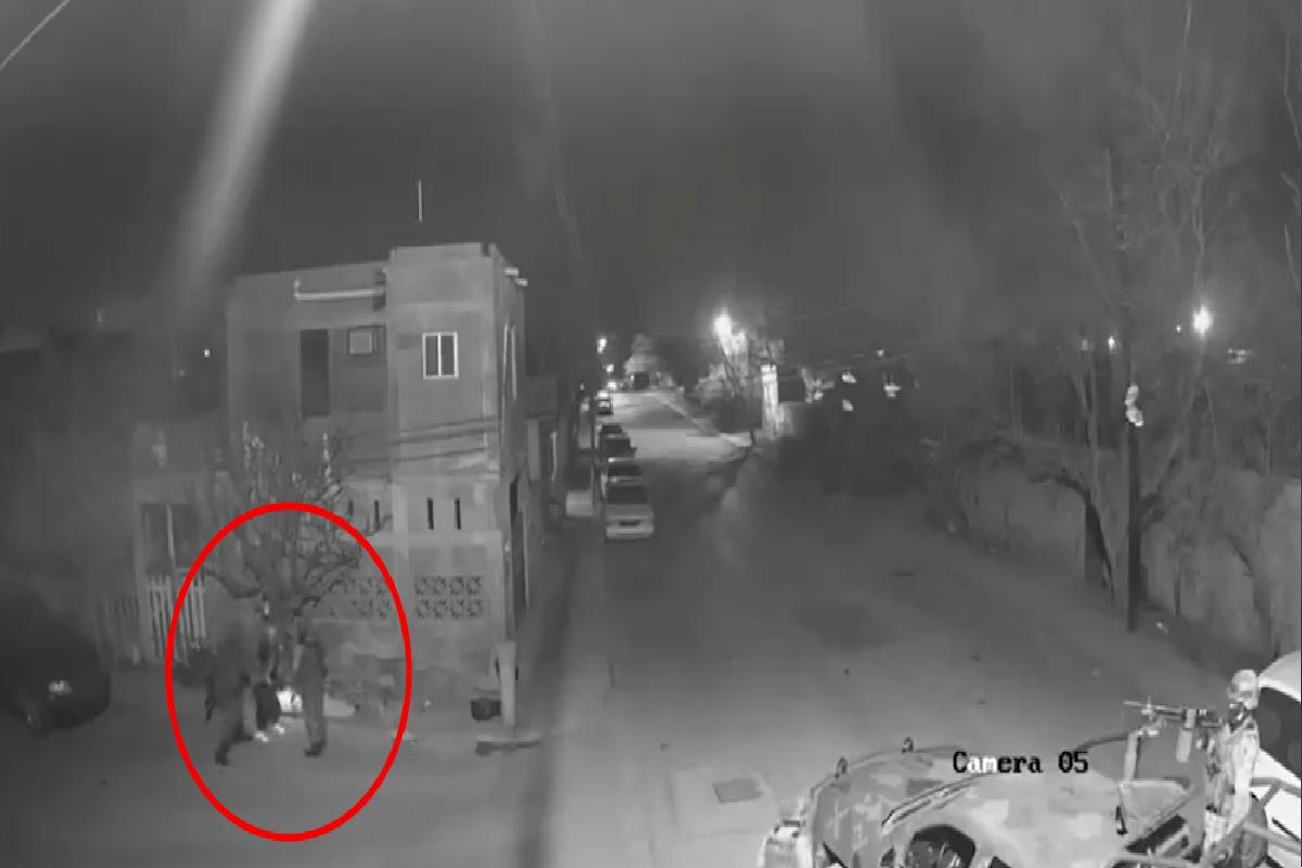 VIDEO: Soldados mexicanos son captados golpeando a hombre acusado de ser vendedor de drogas
