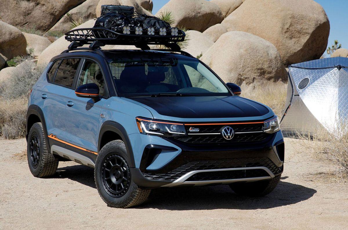 Un SUV de Volkswagen se coloca un traje aventurero