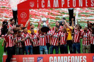 Atlético de Madrid recibió la copa de campeón de Liga 2020-21 en el Wanda Metropolitano