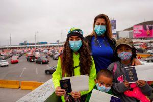 Dos niñas estadounidenses que fueron deportadas a México pudieron regresar a su país