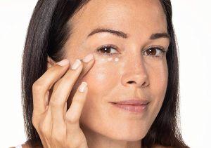 Las mejores cremas de contorno de ojos para usar a diario y prevenir las arrugas