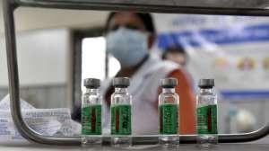"""La OMS clasifica la variante india de coronavirus como de """"preocupación mundial"""""""