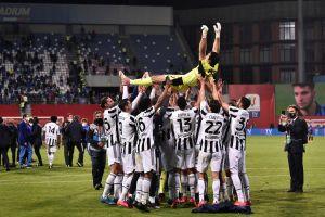Buffon se despide de la Juve con un nuevo título