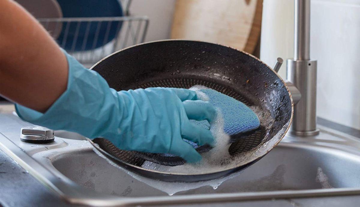 Las mejores almohadillas y esponjas de limpieza para quitar la suciedad más pegada en tus enseres