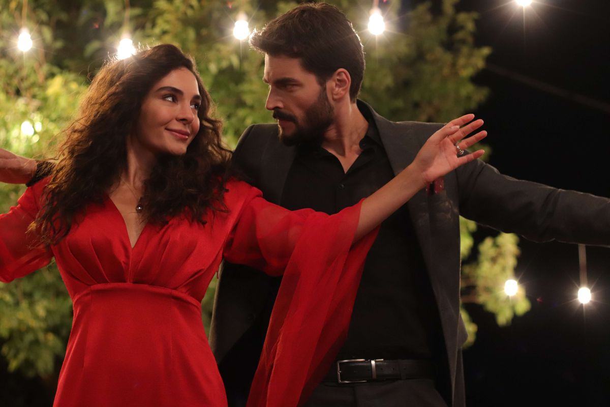 In less than 1 week, Telemundo's 'Hercai: Amor y Venganza' becomes the most watched