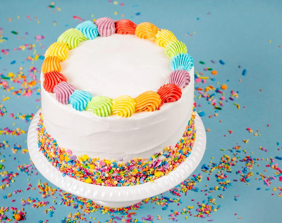 El pastel es el elemento infaltable de cualquier cumpleaños