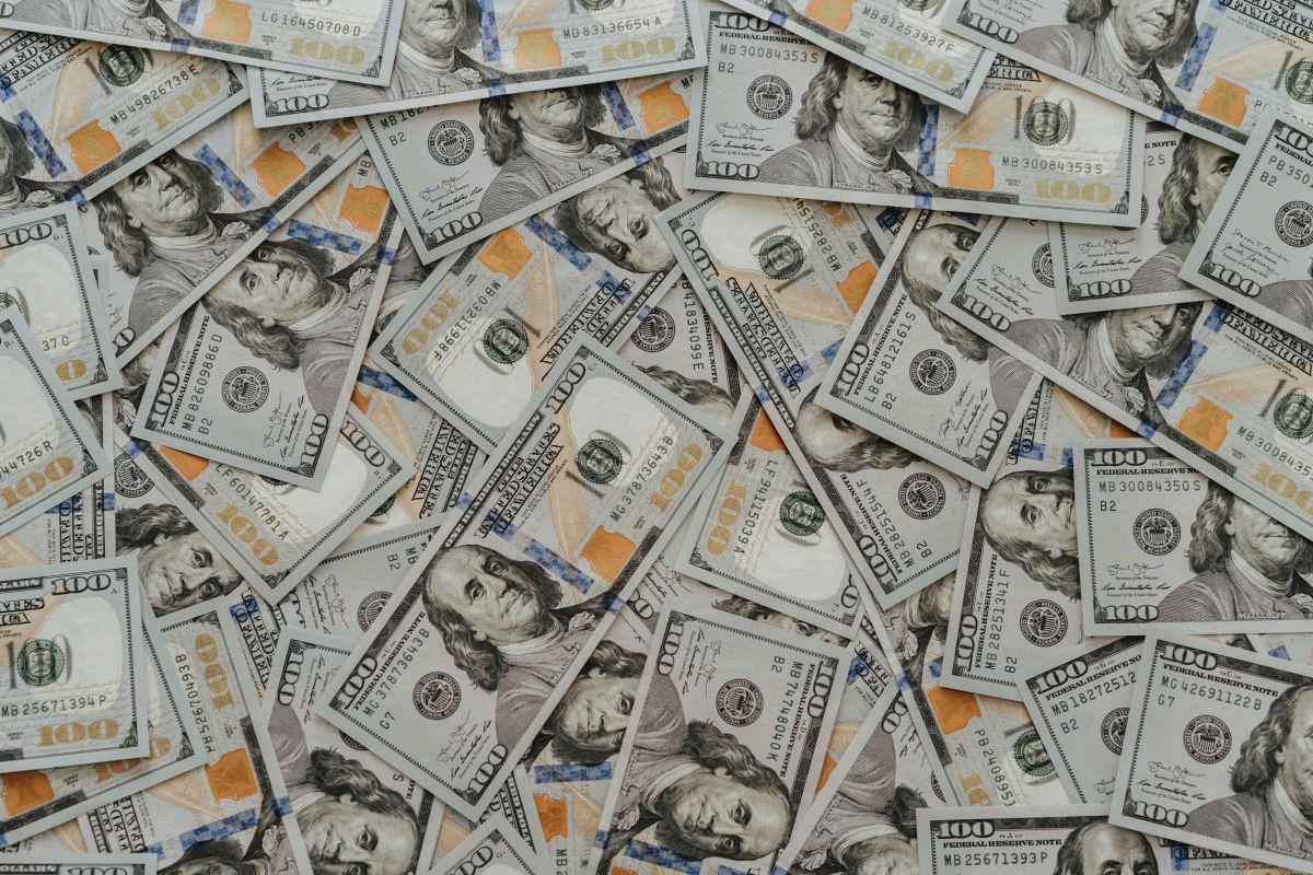 A cuánto comienza a cotizarse el dólar en México este lunes