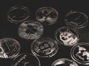 El IRS investigará a contribuyentes que usaron criptomonedas para transacciones por montos de $20 mil dólares