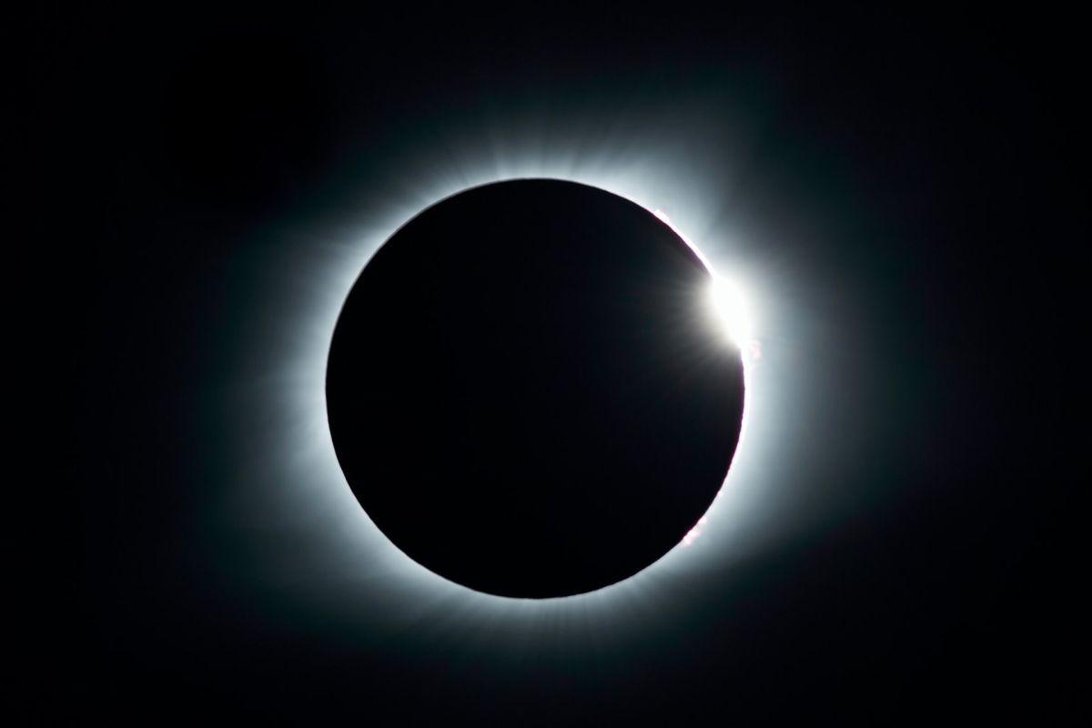 El primer eclipse del 2021 y la llegada del temible Mercurio retrógrado: ¿Qué más nos espera en mayo?