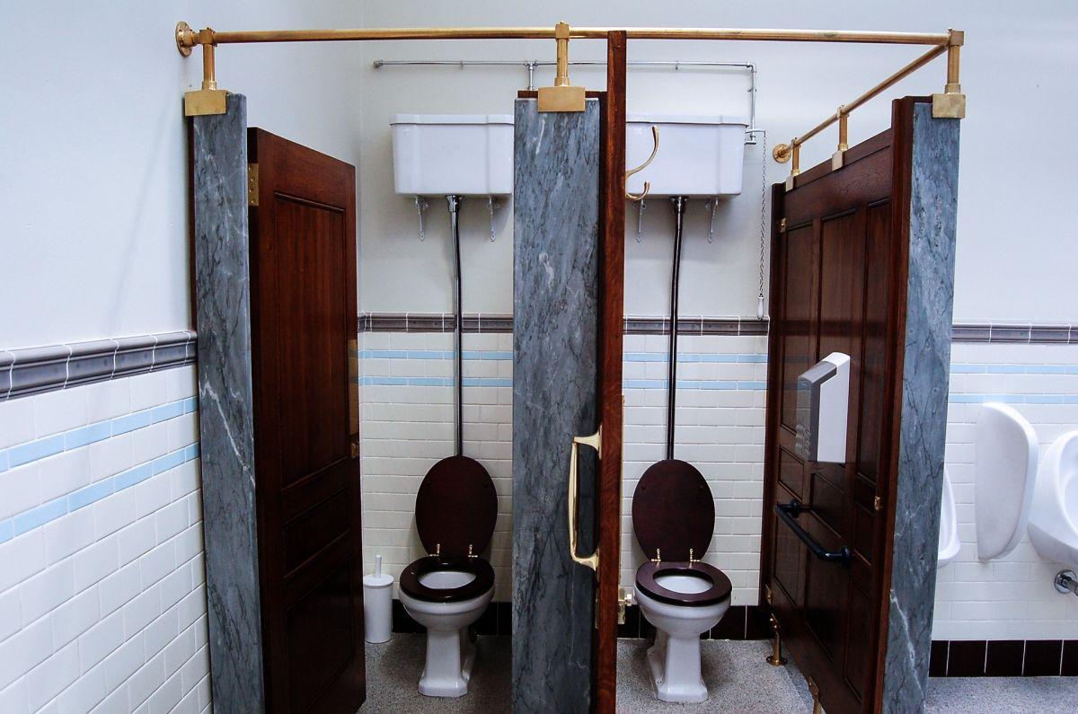 Detectives advierten que encontraron cámaras ocultas en el baño de un gimnasio de Paramount