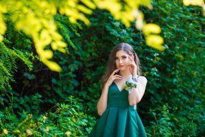 5 diseños de vestidos de quinceañera en color verde ideales para la primavera