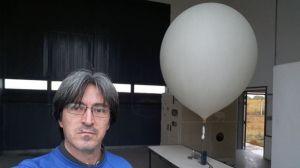 """Cómo funcionan los """"globos sonda"""" que se elevan a diario y ayudan a los pronósticos meteorológicos"""