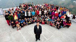 """Muere el hombre cabeza de la """"familia más grande del mundo"""" con 38 esposas y 89 hijos"""