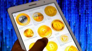 """Bitcoin: qué es el """"cruce de la muerte"""" y por qué asusta a los que invierten en la criptomoneda"""