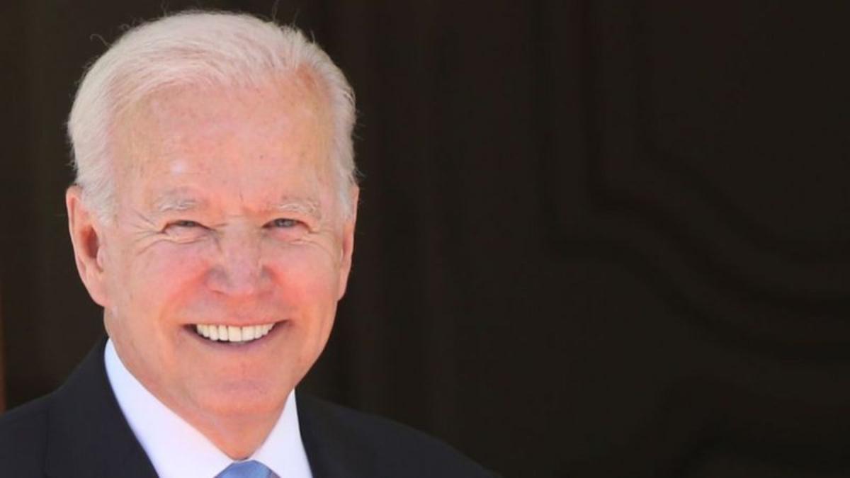 Por qué los obispos de EE.UU. quieren ahora negarle la comunión al presidente Biden