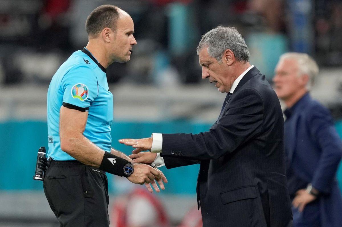 """Técnico de Portugal se cargó contra el árbitro: """"Él sabe que se ha equivocado"""""""
