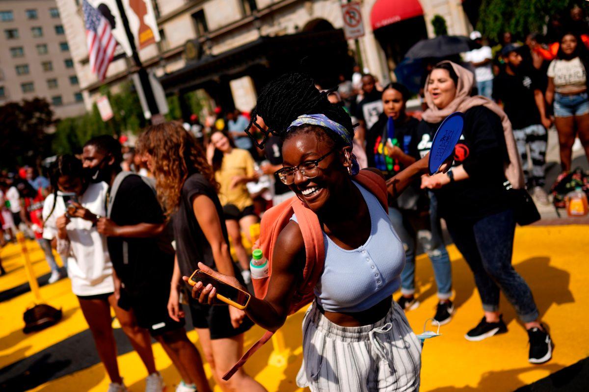 """Estados Unidos conmemora el """"Juneteenth"""" con marchas y música"""