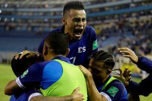 Selección de El Salvador golea en el Cuscatlán y avanza a la siguiente ronda en las eliminatorias mundialistas