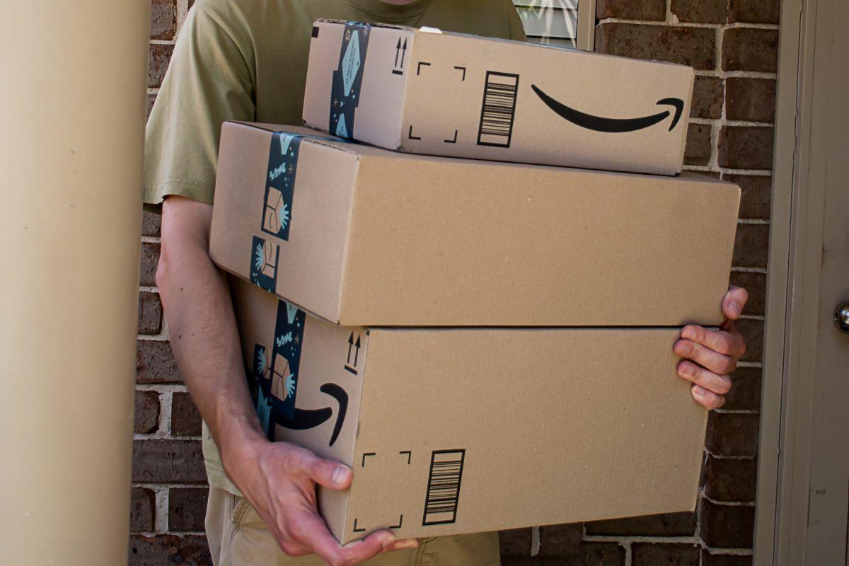 Amazon, en lucha contra las reseñas falsas para evitar fraudes a los consumidores