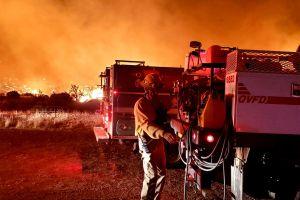 Gobernador de Arizona declara emergencia por los grandes incendios forestales