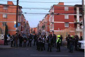 VIDEO: Sinaloense mata a su esposa e hijastra, al verse acorralado por policías se dispara