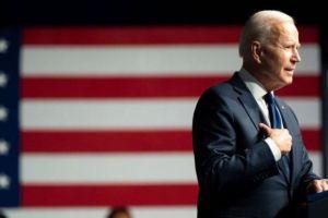 La nueva orden de Biden contra empresas chinas que refuerza la dura posición de Washington con Pekín