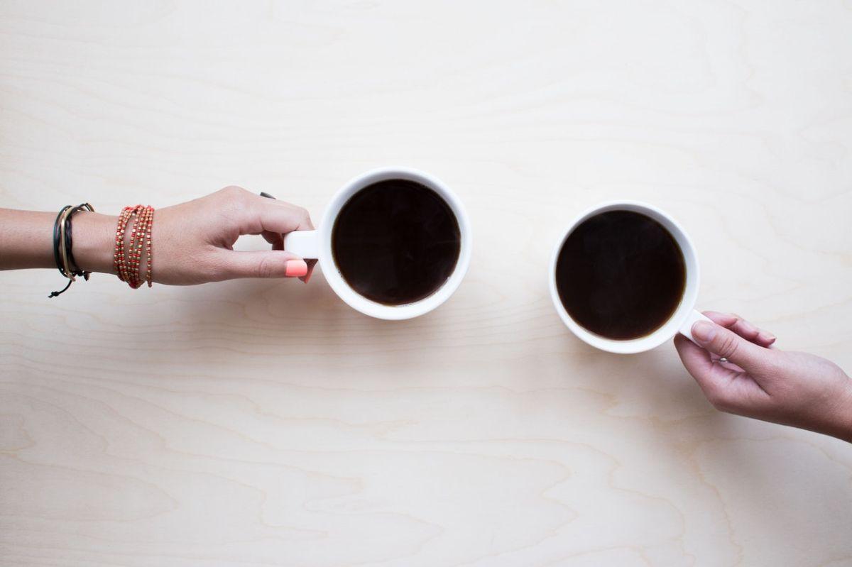 Beber una o más tazas de café al día puede reducir el riesgo de insuficiencia cardíaca.