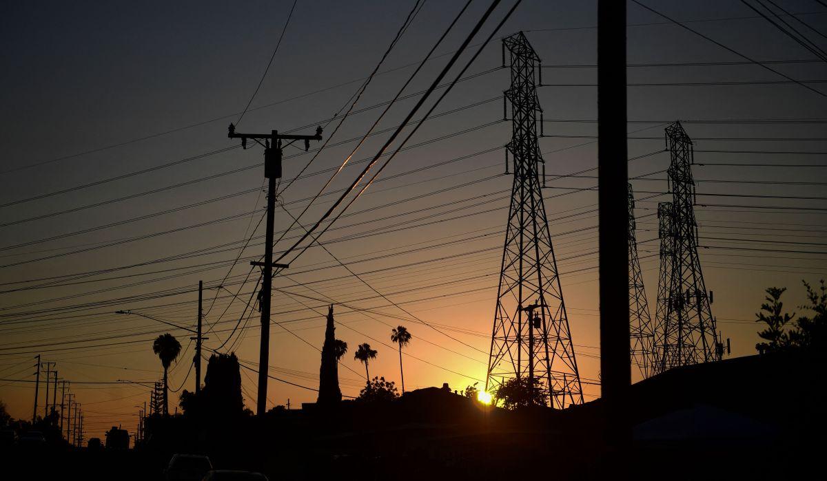 Consejos para combatir la ola de calor que afecta a California y a otros estados de la costa oeste