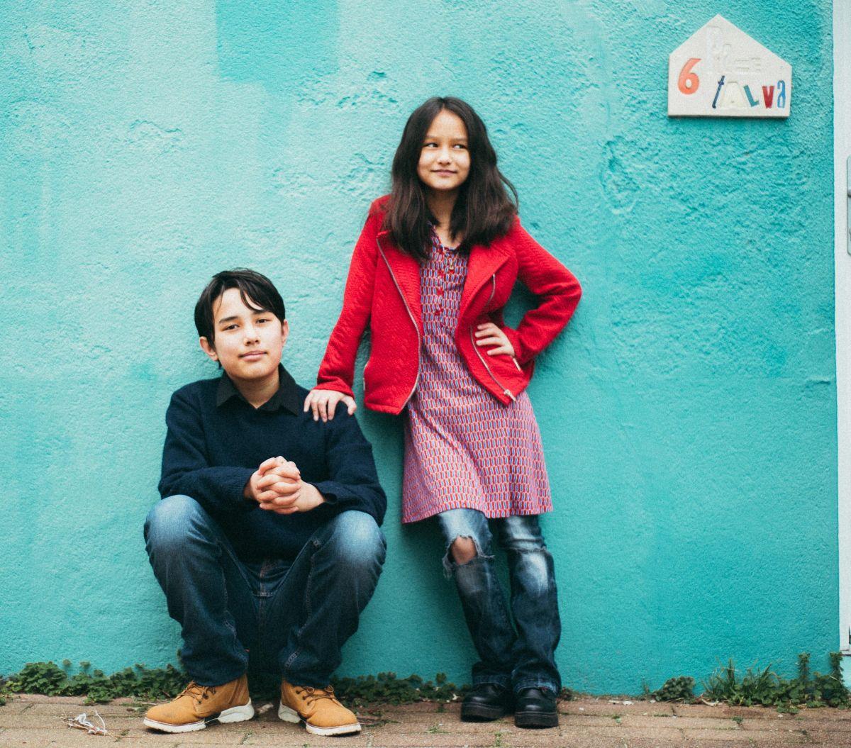 Isaac y Nora estrenaron su disco debut 'Love & Latin Studies', que incluye diez canciones clásicas y una de Natalia Lafourcade. Foto: Cortesía Madame Vodevil