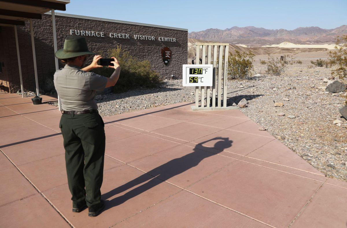 Furnace Creek, en Death Valley, puede alcanzar los 118° F. (Archivo)