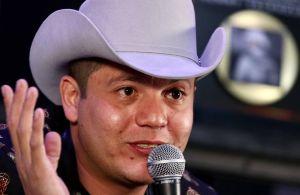 Remmy Valenzuela desaparece luego de ser acusado de golpear a su primo y a la novia de este
