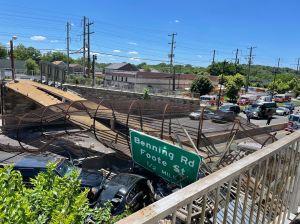 Al menos 6 heridos al derrumbarse puente peatonal al noreste de Washington D.C.