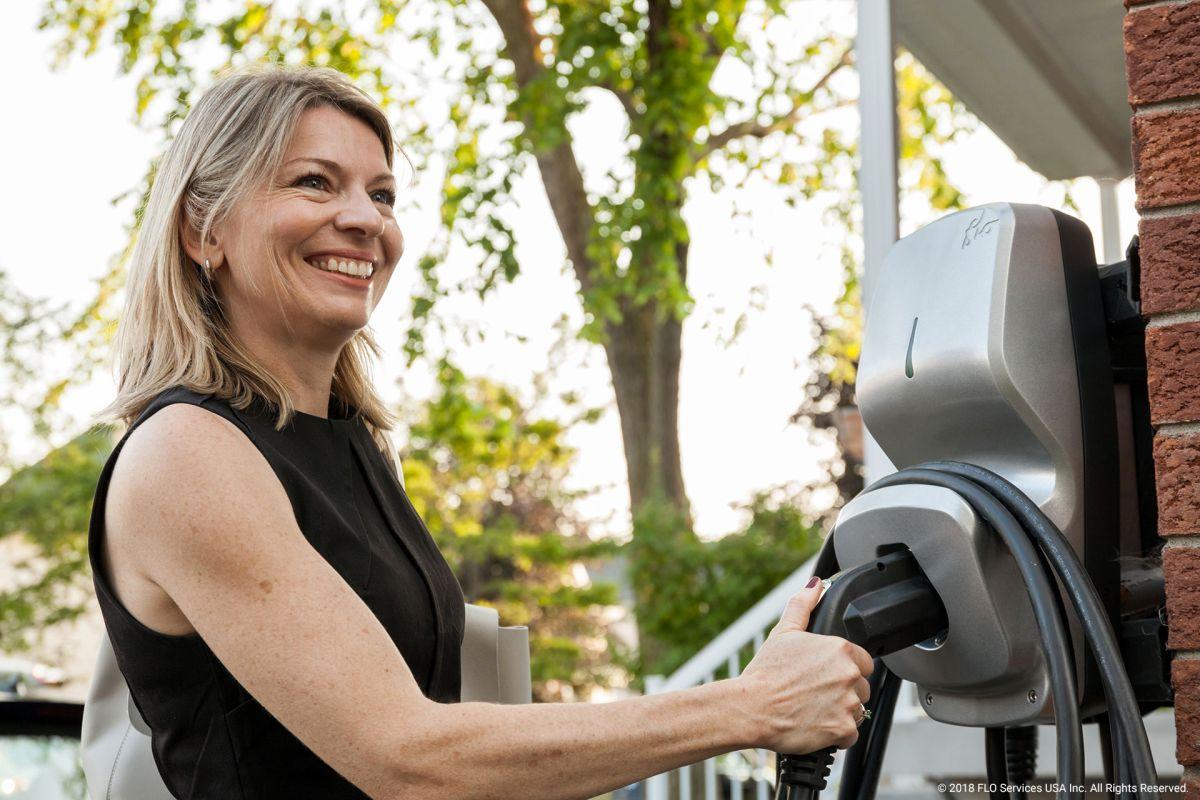 FLO ofrece soluciones de carga doméstica para autos eléctricos en edificios residenciales