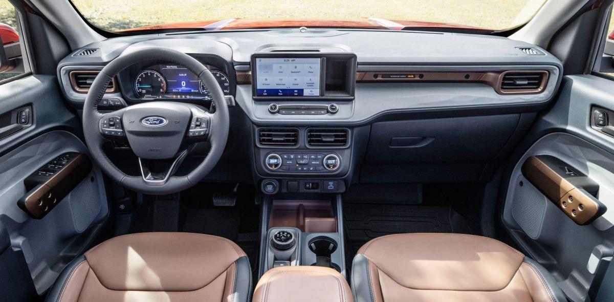 Foto del interior de la Ford Maverick