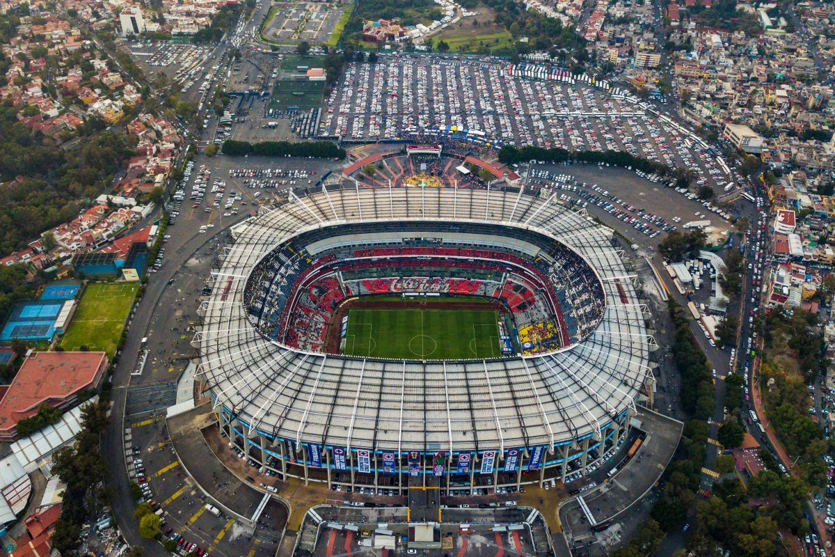 La intención del presidente es que el estadio Azteca albergue su tercer partido inaugural de la historia.