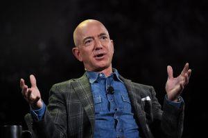 Multimillonarios como Jeff Bezos, Elon Musk y Warren Buffett eludieron el pago de impuestos durante años