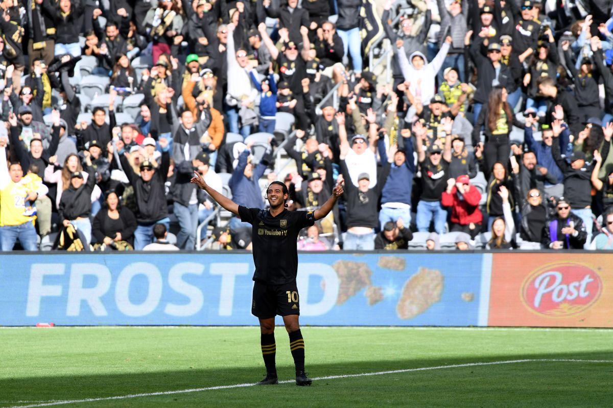 El mexicano Carlos Vela marcó un golazo que puso a vibrar a la MLS