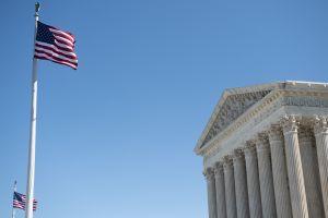 """Corte Suprema complica a inmigrantes peticiones de asilo al anular """"prueba de credibilidad"""""""