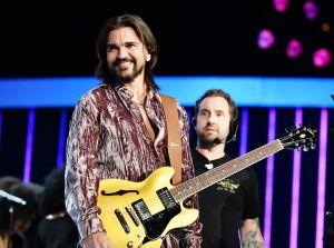 """Juanes interpreta """"Enter Sandman"""" para el nuevo disco de Metallica"""