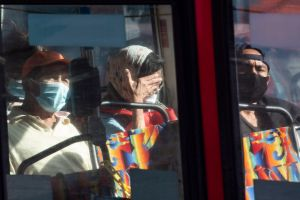 Secretario de Salud de California informó los lugares donde se deberán usar mascarillas después del 15 de junio