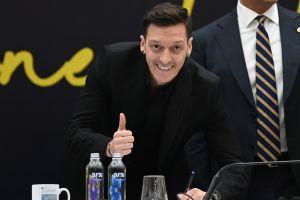 Eva Longoria y Mesut Özil comenzaron a mostrarse como los nuevos inversionistas del Club Necaxa