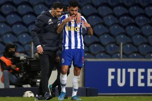 """""""Tecatito"""" Corona dejaría el Porto para irse a Italia"""