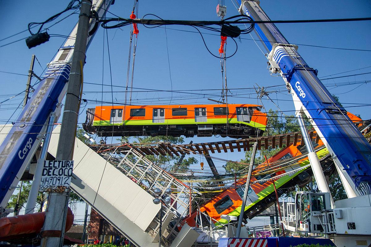 AMLO promete reabrir en un año la Línea 12 del Metro de la Ciudad de México