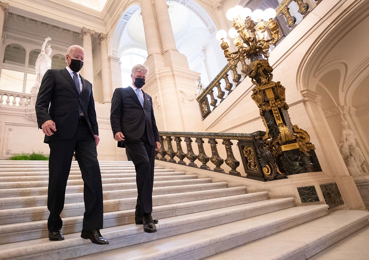 Joe Biden es recibido por el Rey Felipe de Bélgica y líderes de la Unión Europea celebran su presencia en la cumbre