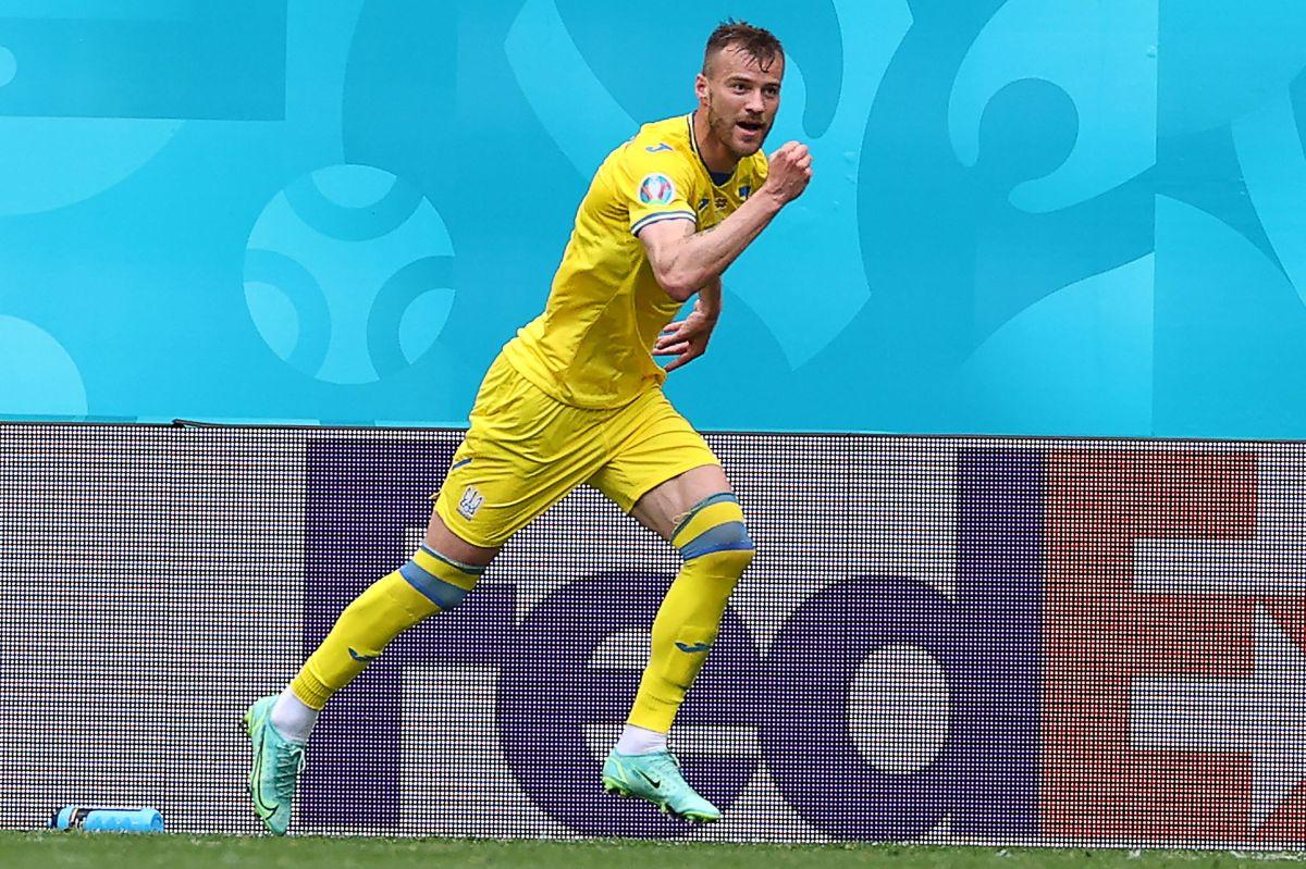"""""""Yo tomo Coca Cola, yo tomo Heineken. ¡Pónganse en contacto conmigo!"""": Jugador ucraniano ante polémica de las botellas"""